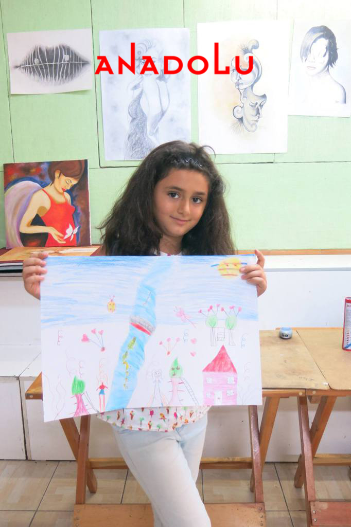İzmir'de Çocuk Sanat Sergisinde