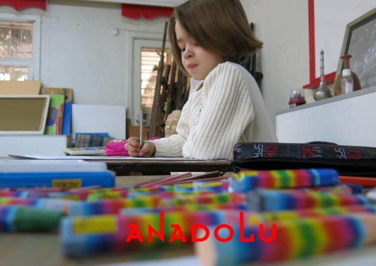 İzmir'de Çocuklar Pastel Çalışması