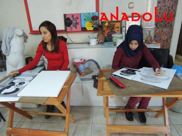 Hobi Dersi Karakalem Çalışması Çukurova