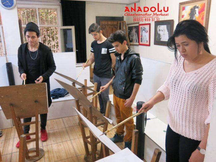 Çukurovada Anadolu Güzel Sanatlarda Modelden Desen Çizimleri