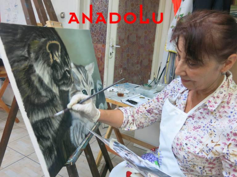 Yağlı boya Kedi Resmi Yapan Kadın Çizimi Çukurova