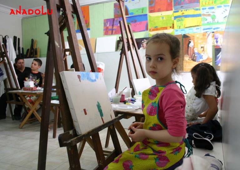 Yağlı Boya Çalışması Yapan Çocuklar Çukurova